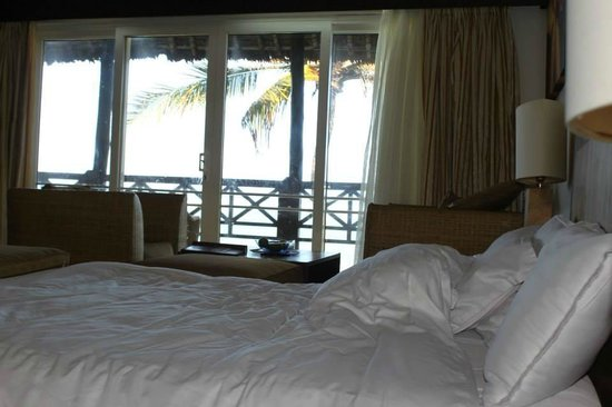 Leopard Beach Resort & Spa: Seaview from my bed