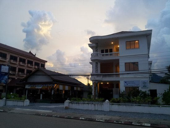 Laos Haven Hotel: view from outside