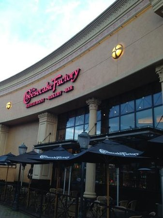 Jun 04, · Cheesecake Factory, Cumberland Mall. Stopped in with friends for dinner and drinks. We were not disappointed! Service was outstanding and the food and drinks were excellent. Service was prompt and all food arrived piping hot and well presented. Value. Service. Food TripAdvisor reviews.