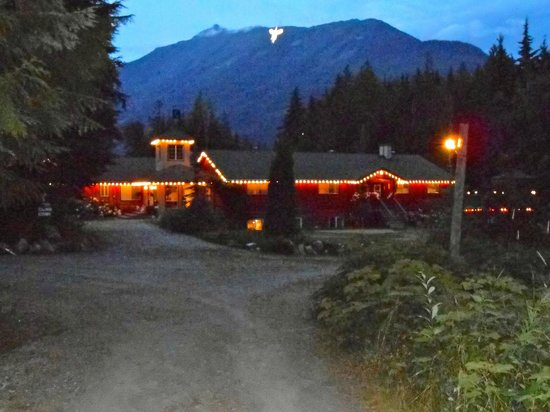 Mulvehill Creek Wilderness Inn and Wedding Chapel: view from the road