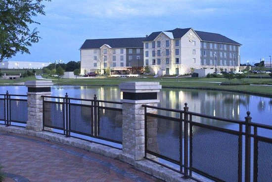 Homewood Suites by Hilton: Evening View from Bridge