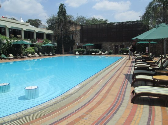 Nairobi Serena Hotel: Relax by the pool