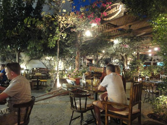 Aperto picture of portobello cafe bar garden restaurant skiathos town tripadvisor Cuban restaurant garden city ny