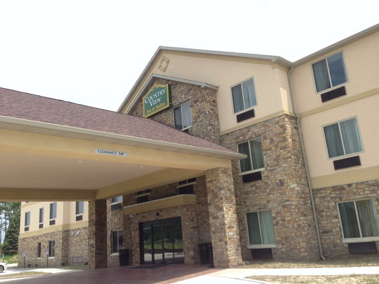 Countryview Inn and Suites