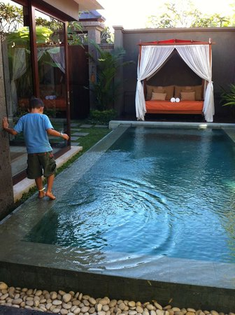 Seminyak Icon: pool and daybed