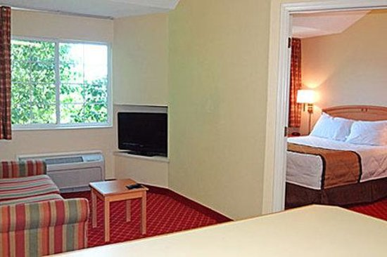 1 bedroom suite 1 queen bed picture of extended stay america raleigh northeast raleigh for Extended stay america one bedroom suite