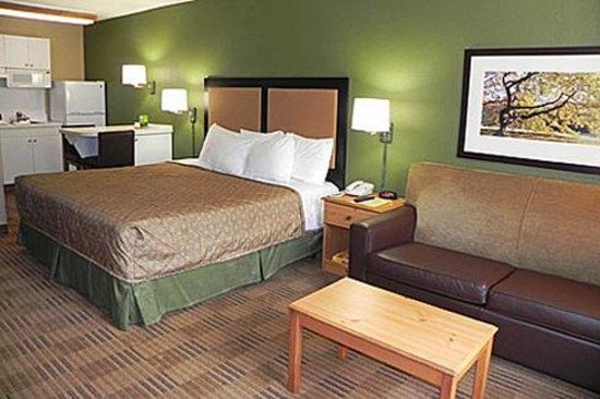 Deluxe suite 1 king bed picture of extended stay america charlotte airport charlotte for Extended stay america one bedroom suite