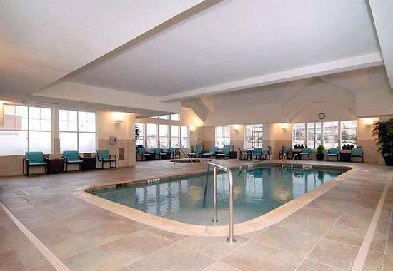 Indoor pool for Hotels in arlington tx with indoor swimming pool
