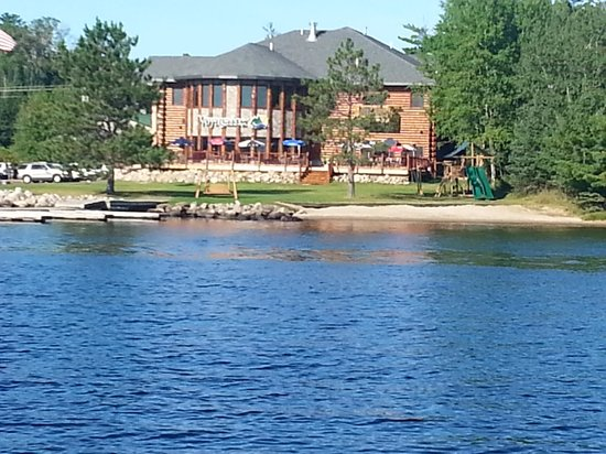 Photo of Voyagaire Houseboats and Lodge Crane Lake