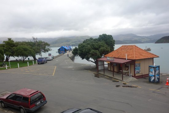 Akaroa Village Inn: View from our lounge room window