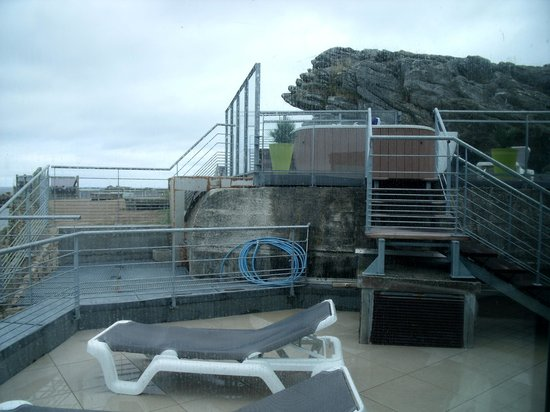 Jacuzzi ext rieur picture of hotel thalasstonic de for Jacuzzi d exterieur