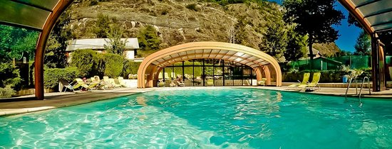 Piscine du camping picture of camping a la rencontre du for Piscine du rhone