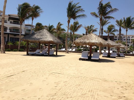 Cabo Azul Resort: ocean seating
