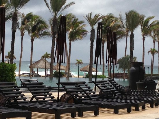Cabo Azul Resort: what a difference a day made