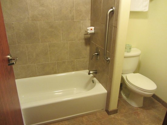 The Cody Hotel: Shower area