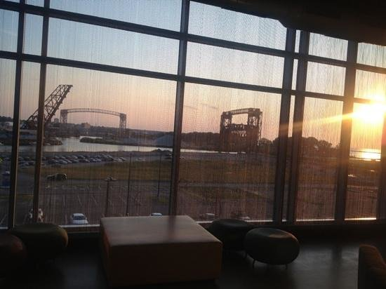 Aloft Cleveland Downtown: sunset view from lobby