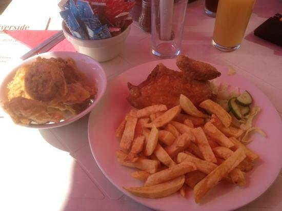 Saturday lunch review of the riverside fish bar for Fish restaurant stamford