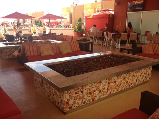 Fire Pit At H2O Bar Picture Of Golden Nugget Atlantic City TripAdvisor