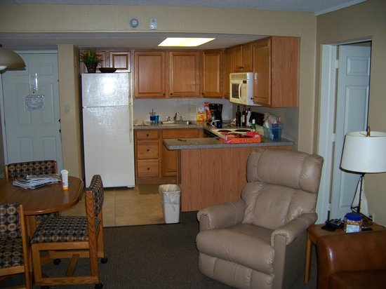Pinestead Reef Resort: Kitchen and some of living room.