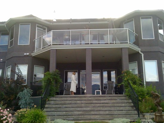 Destination Spa Bed & Breakfast: This is their house, so beautiful!!