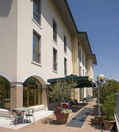 Photo of Hotel Scaligero Sommacampagna