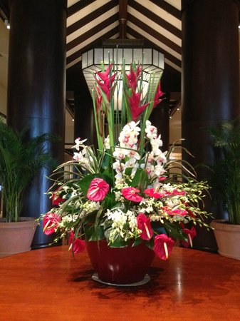 Fresh flower arrangement in the hotel foyer picture of for Foyer flower arrangement