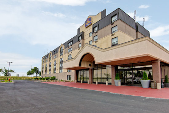 BEST WESTERN PLUS Toronto North York Hotel & Suites