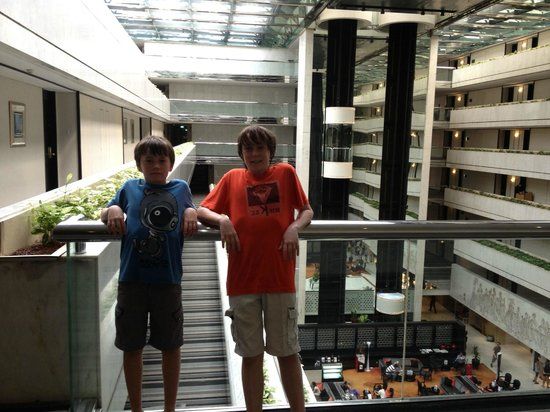 Concorde Hotel Singapore: The Dramatic Interior with happy kids.