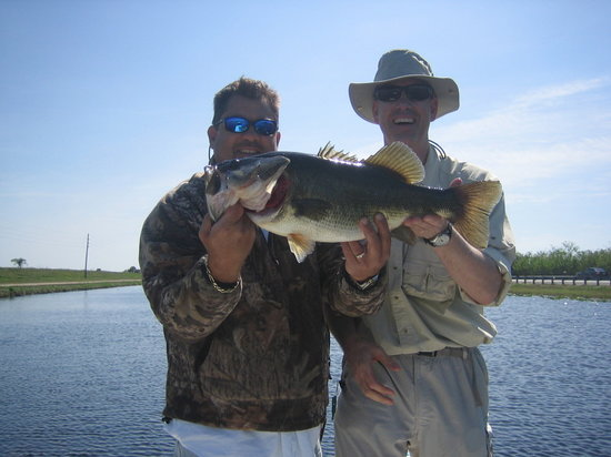 Big 8 picture of florida everglades bass fishing for Everglades fishing guide