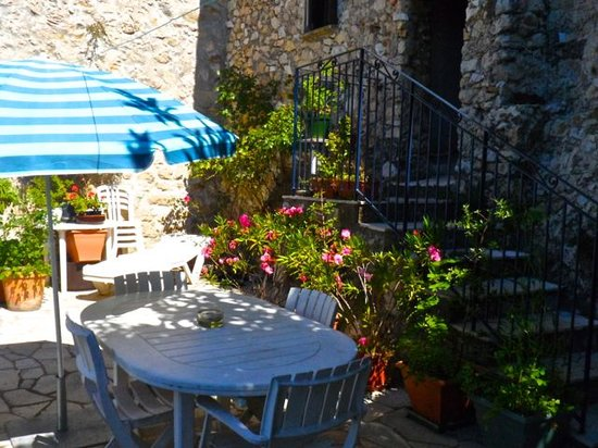 Stable cottage menton france cottage reviews - Hotels in menton with swimming pool ...