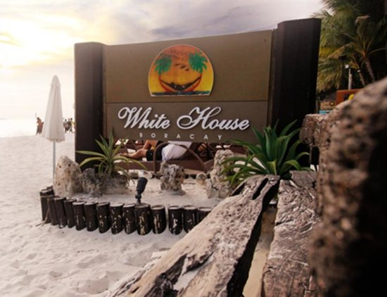‪White House Beach Resort‬