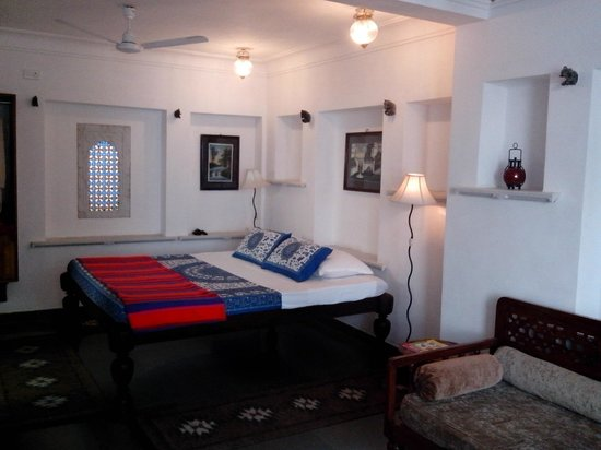 Vara Paying Guest House