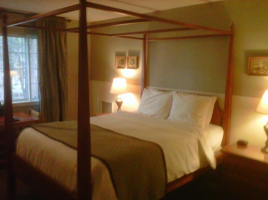 Cinnamon Bear Inn: Room interior