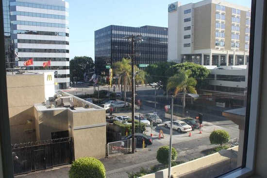 View From Room Mcdonalds Picture Of Holiday Inn Los