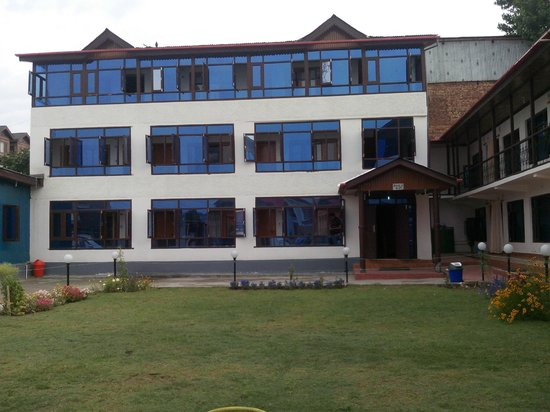 hotel luxury inn srinagar kashmir hotel reviews
