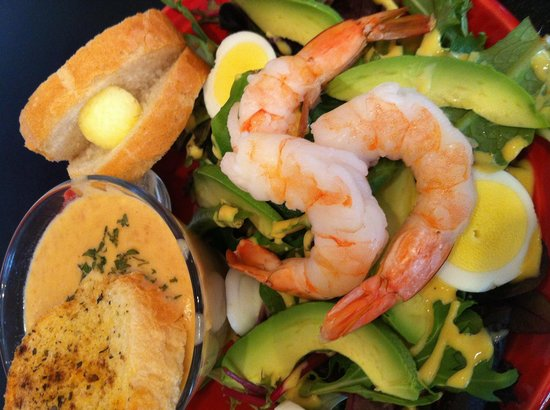 Eastgate Cafe: Awesome salad and lobster soup