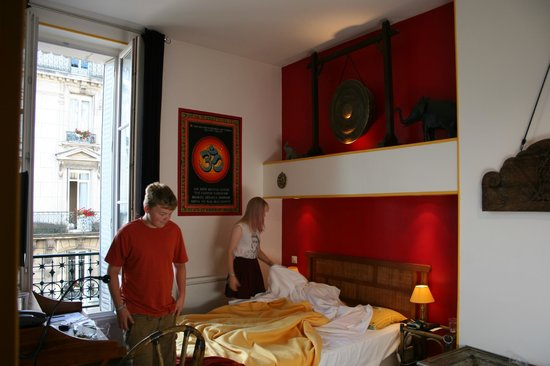 Indian themed bedroom picture of hotel archange orleans for Indian themed bedroom