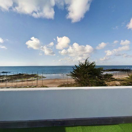 Vue du jacuzzi picture of residence du yacht club ile d 39 yeu tripadvisor - Yacht club ile d yeu ...