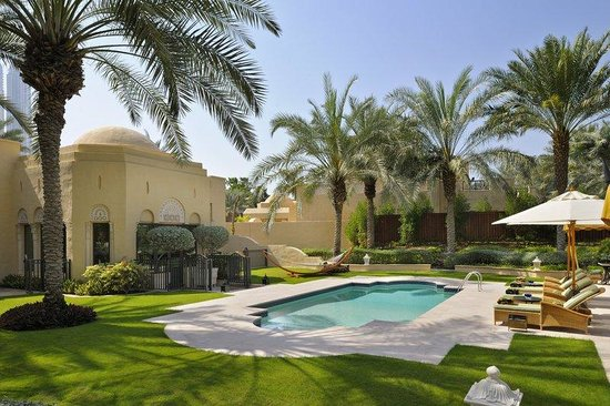 301 moved permanently for Garden pool dubai