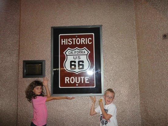 Ramada Plaza West Hollywood Hotel and Suites: Siamo sulla Route 66