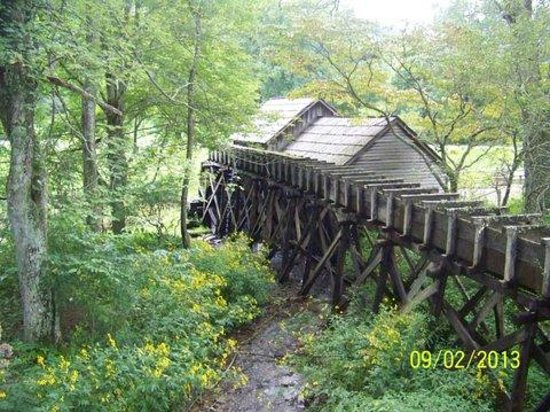 Sheraton Roanoke Hotel and Conference Center: Mabry Mill off of the Blue Ridge Parkway
