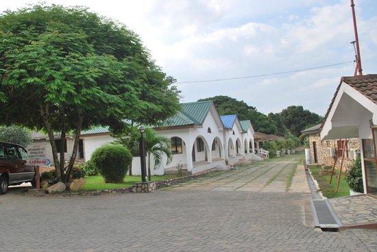 Akosombo Ghana  city pictures gallery : Akosombo, Ghana : Front of the Hotel
