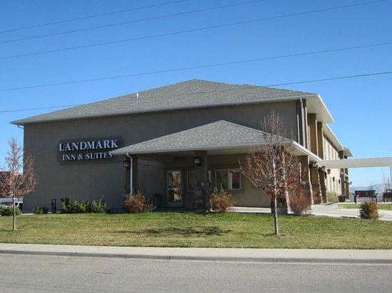 Landmark Inn And Suites