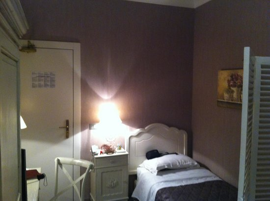 Single room with shared bathroom for Hotel gerber roma