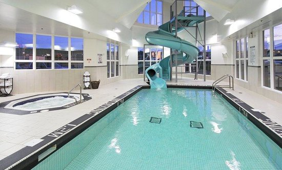 Swimming pool with 80 foot waterslide picture of stellarton nova scotia tripadvisor for Cheap hotels in glasgow with swimming pool