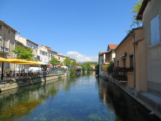 301 moved permanently for Hotels isle sur la sorgue