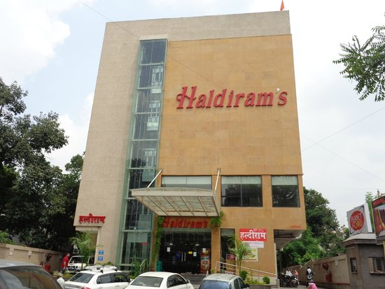 haldirams shankar nagar square nagpur picture of haldirams nagpur tripadvisor. Black Bedroom Furniture Sets. Home Design Ideas
