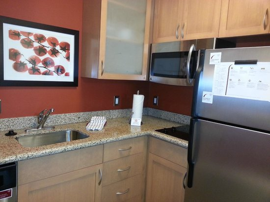 Residence Inn Charleston North: Kitchen