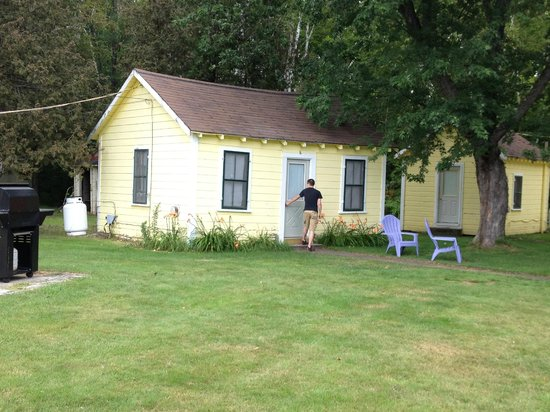 Katahdin Cabins: Our 2 bedroom cabin
