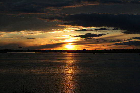 Off the Hook Bed and Breakfast: Sunset from the tiki bar